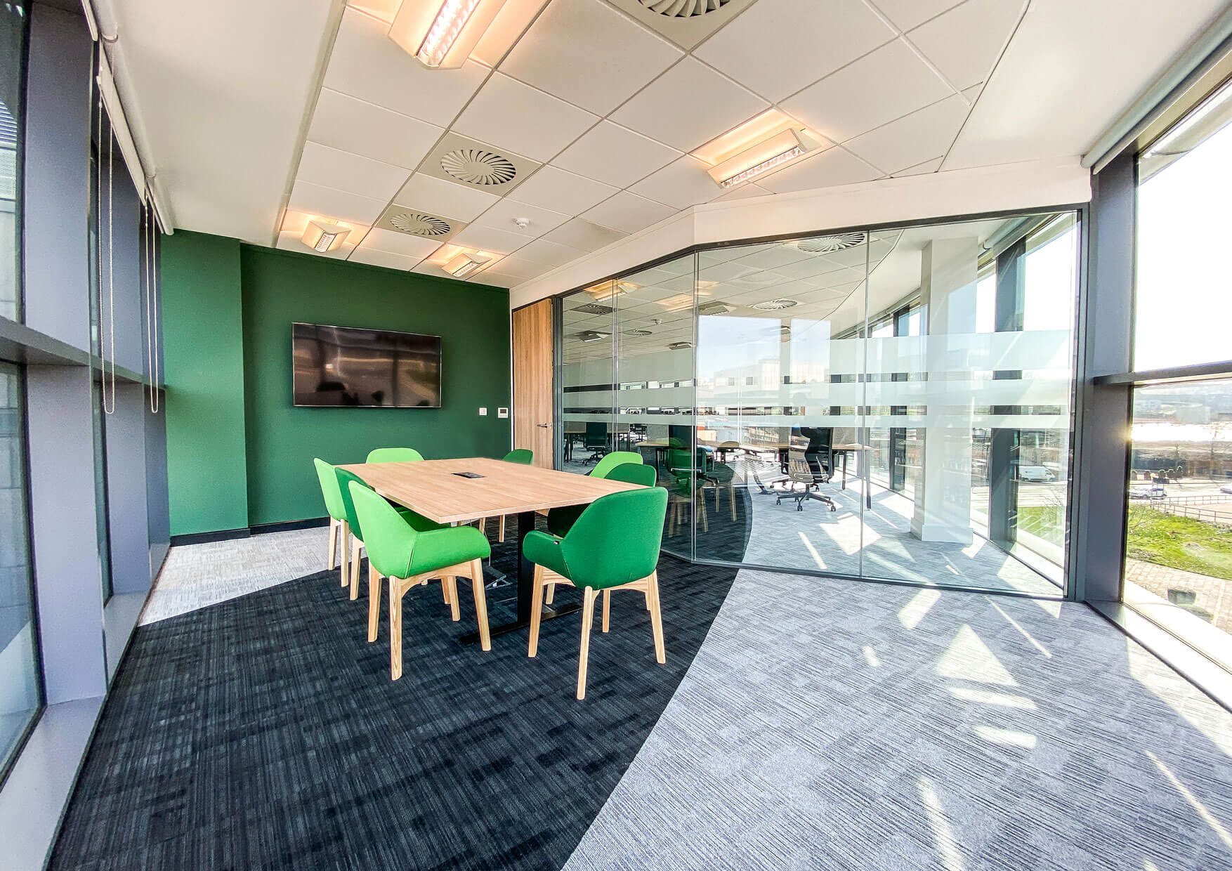 Curvalux Meeting Room
