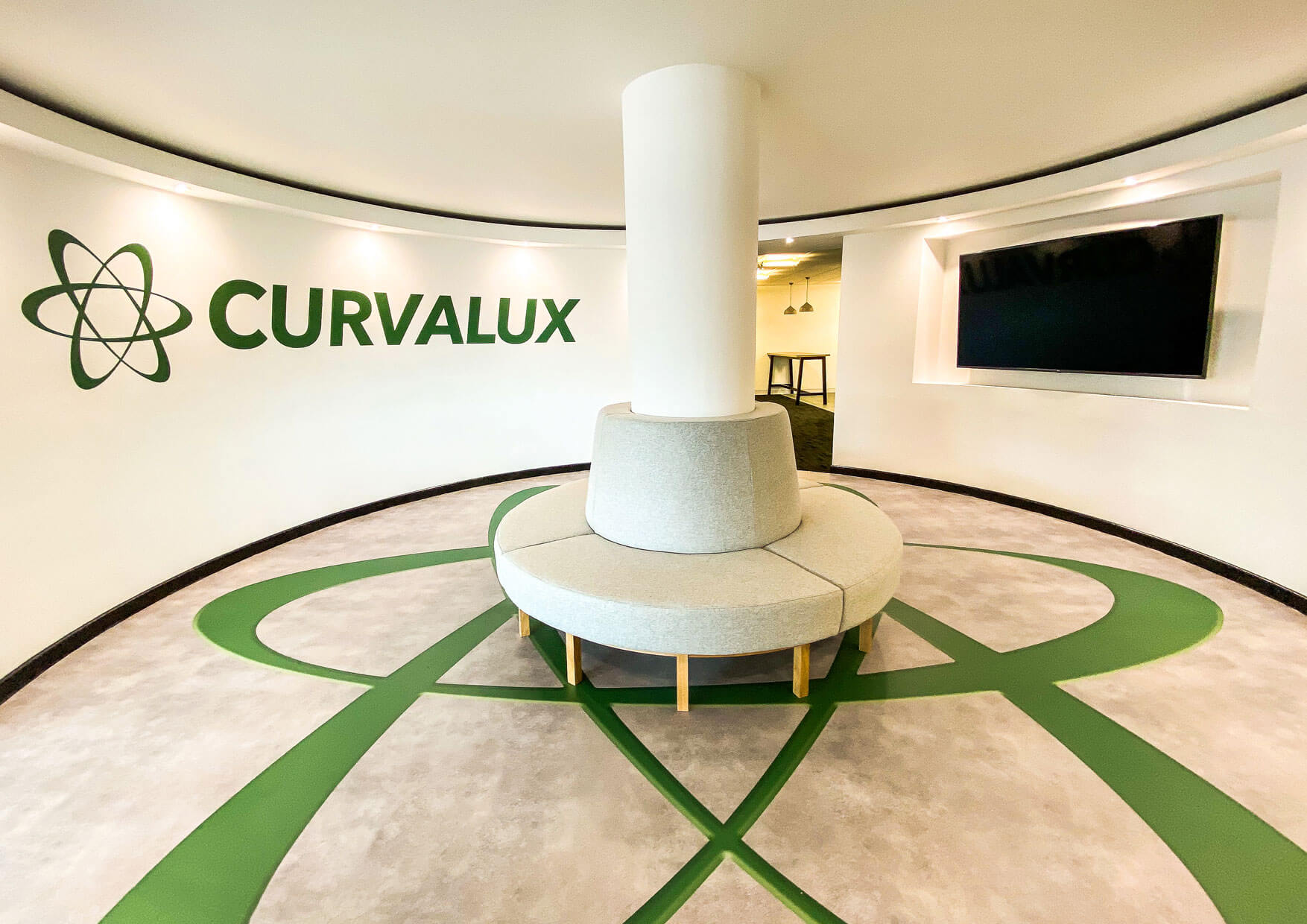 Curvalux Central Feature space